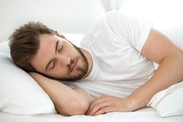 نتیجه تصویری برای چه زمانی بخوابیم؟/ خواب زیاد، سردی مزاج میآورد