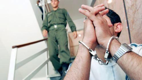دزدی که در کلانتری گوشی افسر پلیس را زد