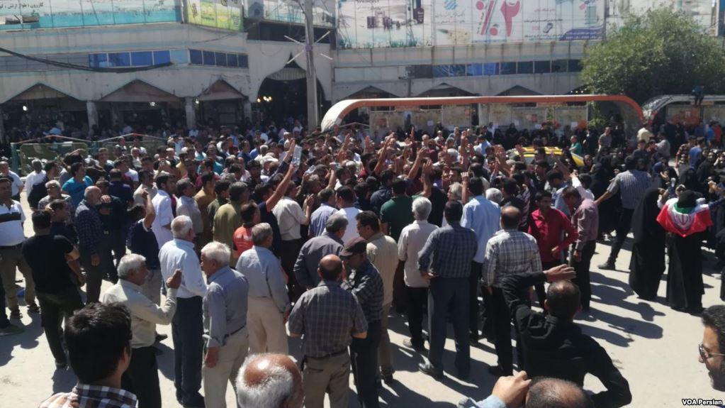 ناآرامی در کازرون: به آتش کشیدن مرکز پلیس