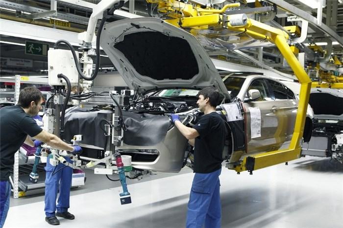 تولید خودرو در ۱۱ ماهه امسال ۳۷٫۸ درصد کاهش یافت