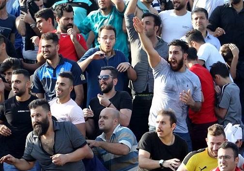 تبریز تنها نیست؛ زمین فوتبال یا میدان جنگ؟