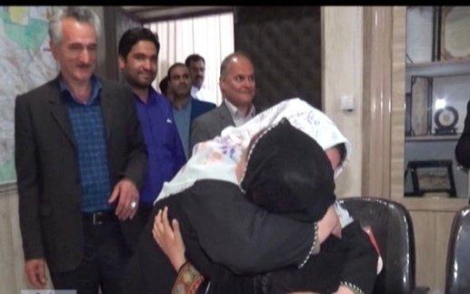 تصاویر/ بازگشت باران شیخی به آغوش خانواده پس ۲۵روز چشمانتظاری