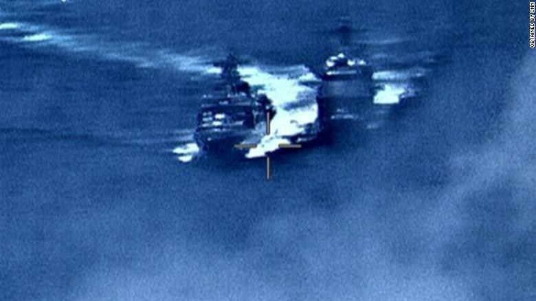تنش میان آمریکا و روسیه در عبور خطرناک ناوها/ عکس