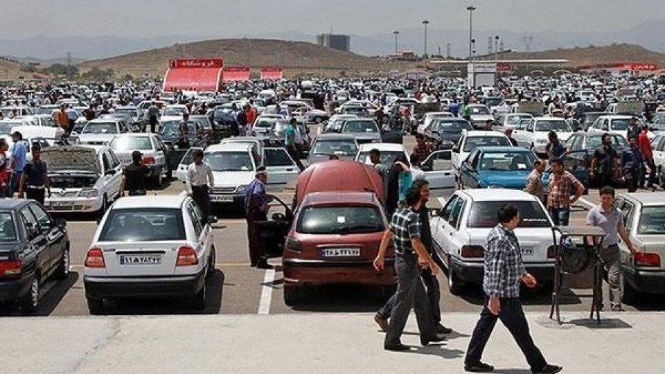 کاهش قیمت خودرو همچنان ادامه دارد