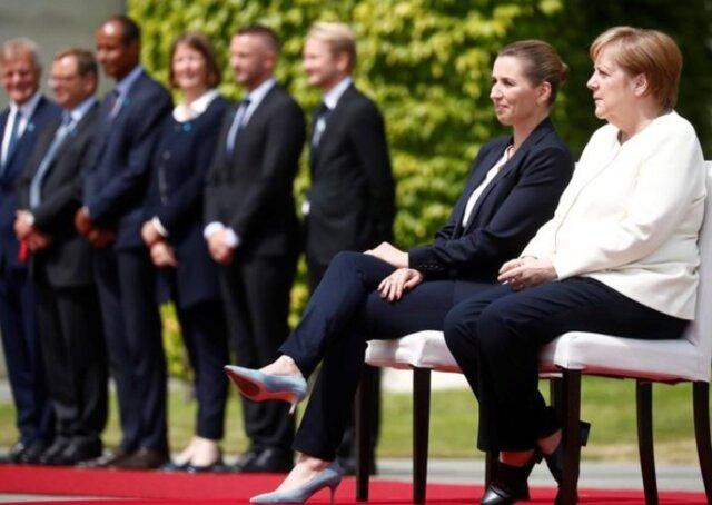 مرکل نشسته از نخست وزیر دانمارک استقبال کرد