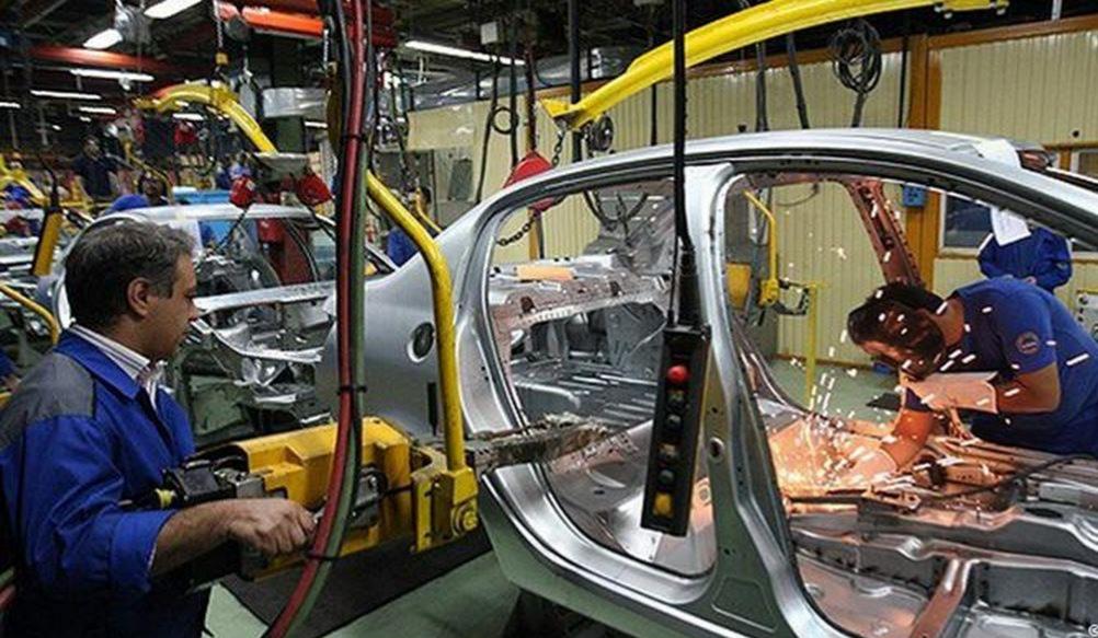 عقد قرارداد ۱۵۰۰میلیاردی وزارت دفاع با خودروسازان