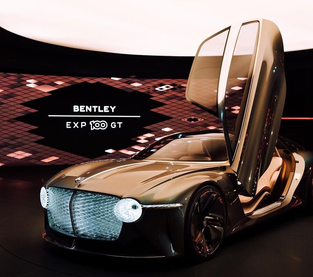 جشن صد سالگی بنتلی با ابر خودرو EXP100 GT + (آلبوم تصاویر)