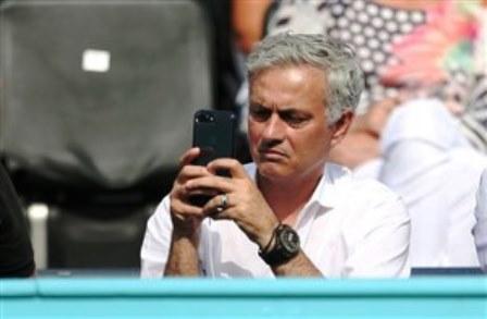 کدام تیم به موبایل ژوزه مورینیو زنگ زد؟