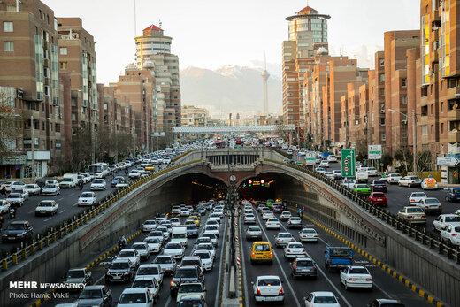 شناور شدن ساعات کار، گره ترافیک تهران را باز میکند؟