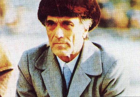 جوانمردی پرویز دهداری در بازی با کاتماندو