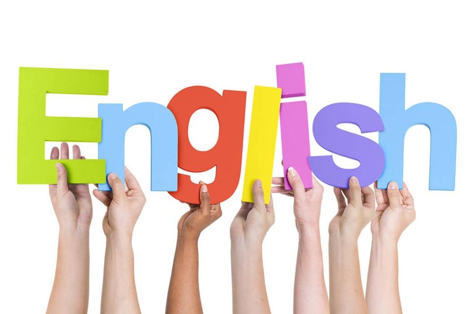 تدریس زبان انگلیسی در مدارس حذف نمیشود
