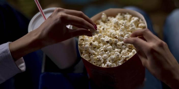خرید گسترده بلیت سینما توسط صاحبان فیلمها