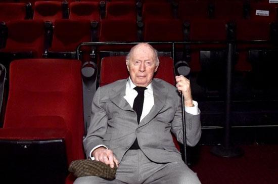 بازیگر فیلمهای هیچکاک در تولد ۱۰۵ سالگیاش