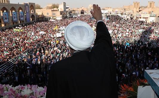 ماجرای شعار دادن یزدیها در زمان سخنرانی روحانی
