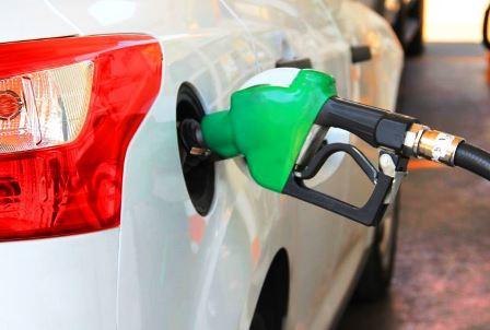 چه کسانی از اصلاح  قیمت بنزین میترسند؟