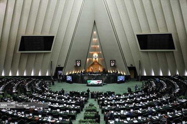 مجلس با استعفای قاضیزادههاشمی موافقت کرد