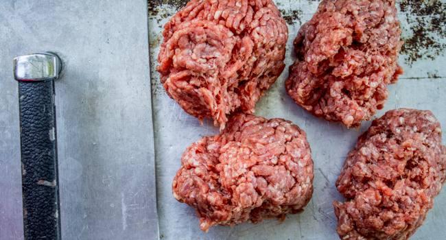 اعتراف هولناک ساندویچفروش: پخت همبرگر با ضایعات