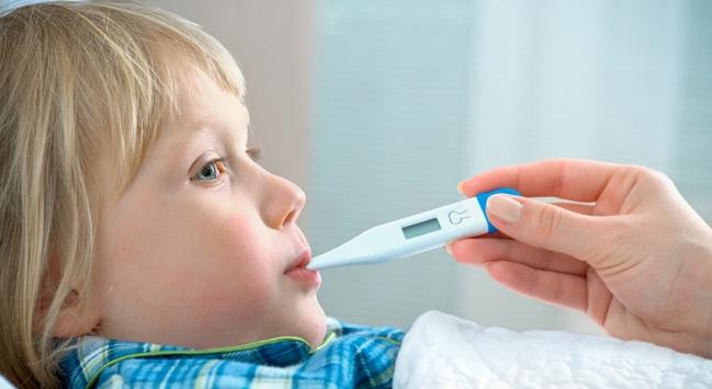 کودک دچار آنفلوآنزا را چطور درمان کنیم؟