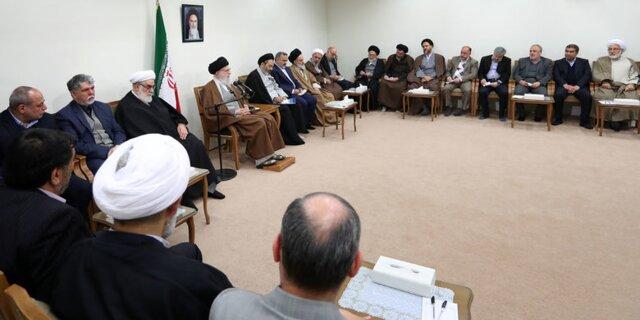 رهبر معظم انقلاب:ایستادگی ملت ایران آمریکا را عصبانی کرده است