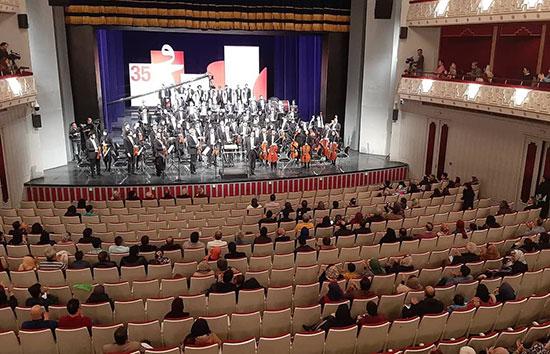 صندلیهای خالی در افتتاحیه جشنواره موسیقی فجر