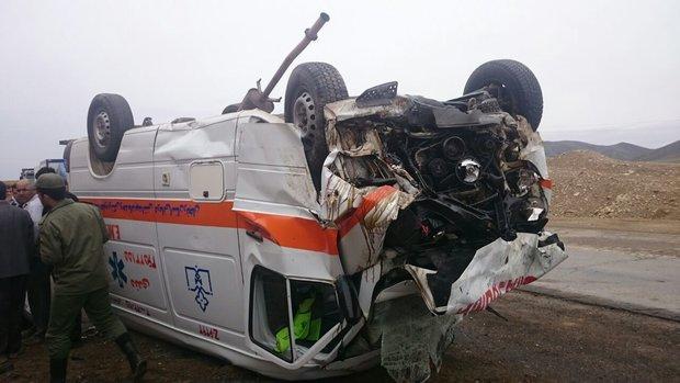 واژگونی یک دستگاه آمبولانس در خیابان طالقانی