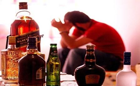 پناه بردن به الکل و وایتکس از ترس کرونا!