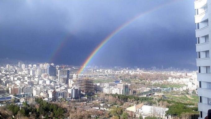 رنگین کمان در آسمان تهران در آخرین روز سال
