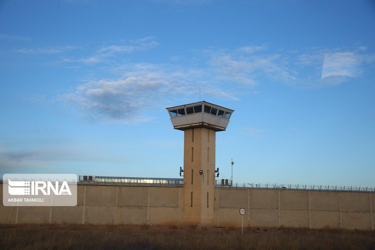 فرار ۲۳ زندانی از زندان پارسیلون خرمآباد