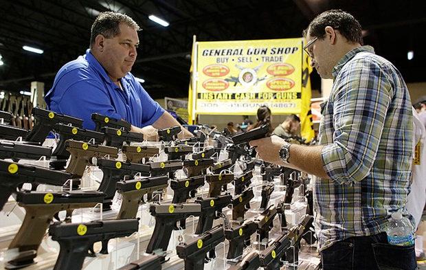 افزایش بی سابقه فروش سلاح در آمریکا به دلیل کرونا