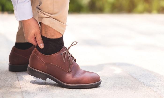 ۹ دلیل برای درد پا هنگام راه رفتن