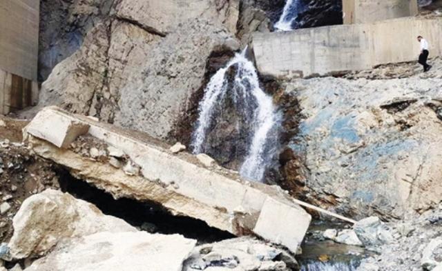 وضعیت بحرانی یک پل در آزادراه تهران – شمال
