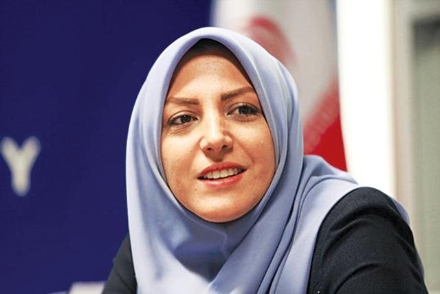 حرکت آرام المیرا شریفیمقدم روی مسیر شهرت