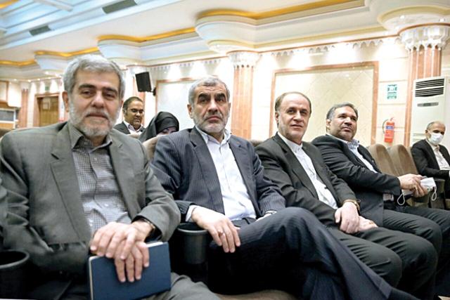 حاشیههای سیاسی روز؛ بوی احمدینژاد میآید؟