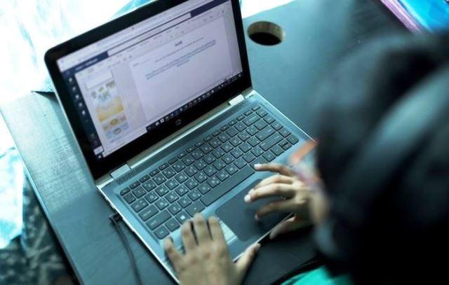 آگهی استخدام دستیار ویژه برای امتحانات آنلاین