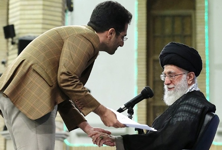 تبرئه کامفیروزی از اتهام توهین به رهبری