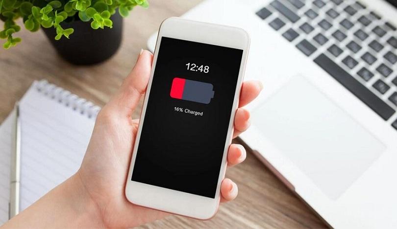 هشدار؛ در این ۸ مکان موبایل خود را شارژر نکنید