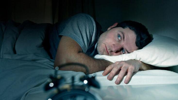 مشکل خواب دارید؟ این ۷ماده غذایی را نخورید