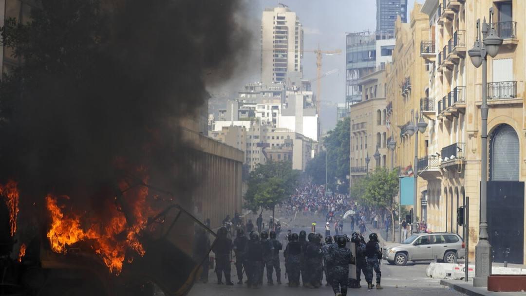درگیری پلیس با تظاهرکنندگان خشمگین در لبنان