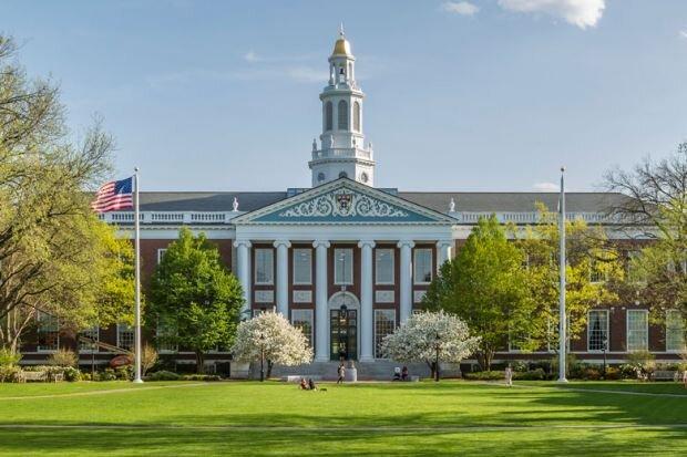 """پذیرش پیرزن ۸۱ ساله در دانشگاه """"هاروارد"""""""
