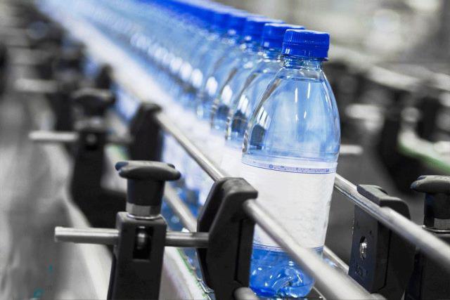 رقابت برندهای آب معدنی خارجی در ایران