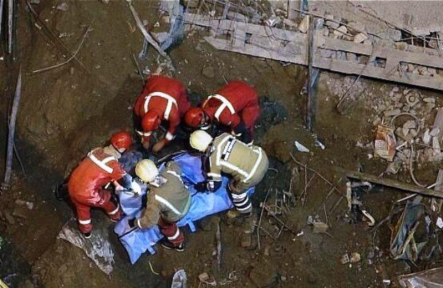کشف اجساد حادثه ریزش آوار در خیابان فلاح