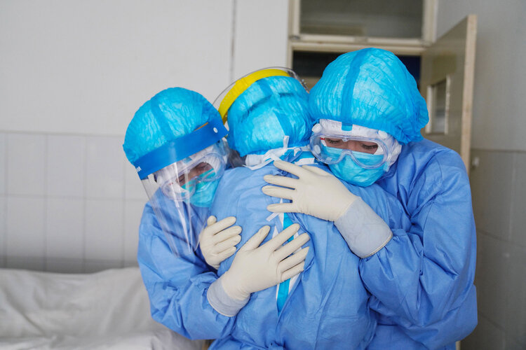 درگذشت پرستار باردار کرجی پس از ابتلا به ویروس کرونا