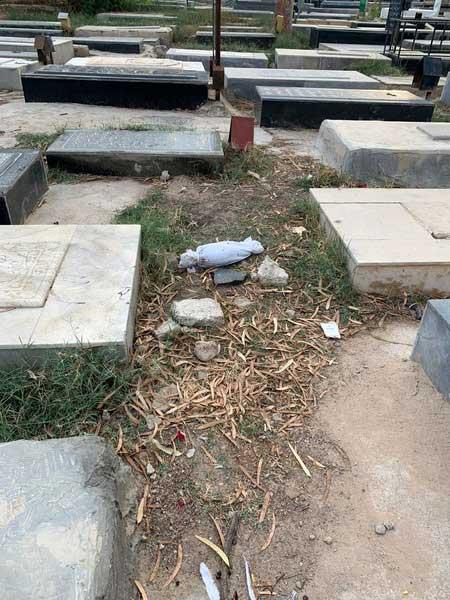 رهاسازی غمناک کودک فوتشده در قبرستان گناوه