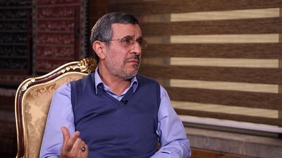 احمدینژاد:سایه جنگ را از ایران دور کردم
