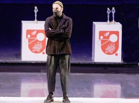 شش پیام مستتر در لباس نوید محمدزاده