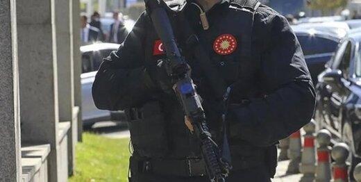 محافظ اردوغان خودکشی کرد