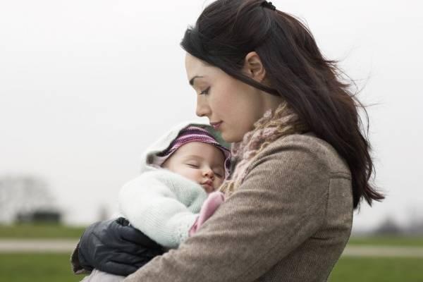 فقدان آغوش مادر برای نوزاد خطرناکتر از کروناست
