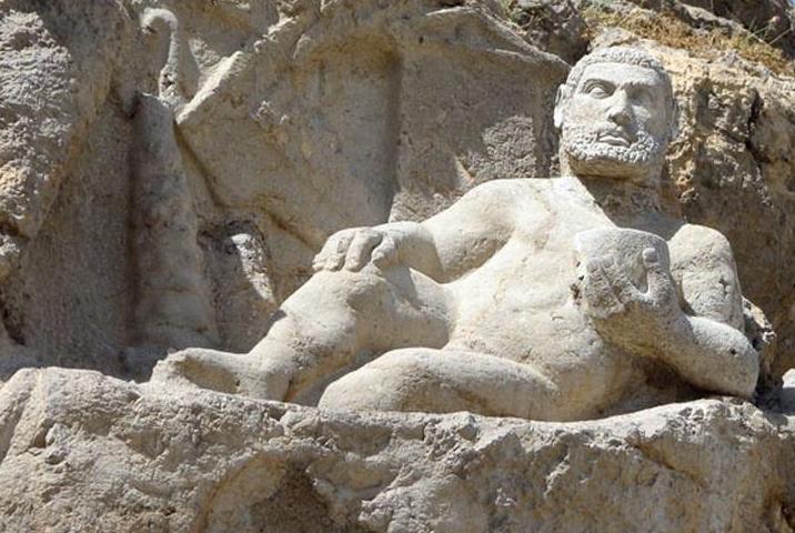 راز سر تقلبی مجسمه باستانی هرکول در کرمانشاه