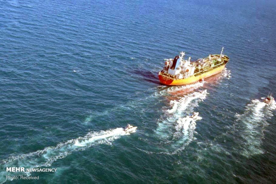 کشتی توقیفشده کرهای آبهای ایران را ترک کرد