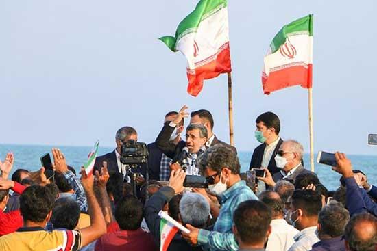 میتینگ سیاسی احمدینژاد در ساحل بندر دیر